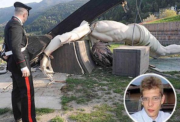 Un jeune touriste meurt écrasé par la croix de Jean Paul II à Bre