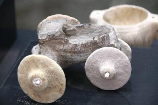 Un jouet en pierre