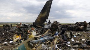 Une pluie de corps à suivi l'explosion du Boeing du vol MH17 et autre