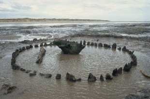 Un deuxième cercle de bois découvert datant de Seahenge