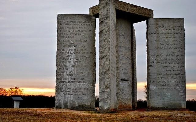 Le cube des Georgia Guide Stones a été retiré et révéle un code mystérieux