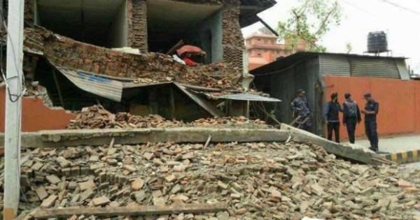 Un violent séisme de 7.9 a secoué le Népal.