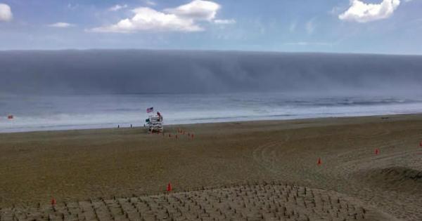 Un bien etrange tsunami se forme au large du New Jersey
