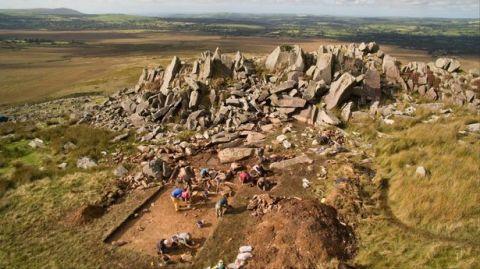 Fouilles sur le site de de Carn Goedog. Photo: Wales Online