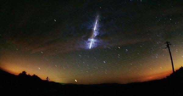 Météorite: Lueurs et bruits mystérieux dans le ciel de l'Australie