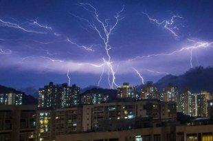 Apocalypse à Hong-Kong : 10 000 éclairs frappent la ville en 12 heures