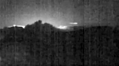 Un météore apparait au même moment que l'éruption volcanique du Turrialba au Costa Rica