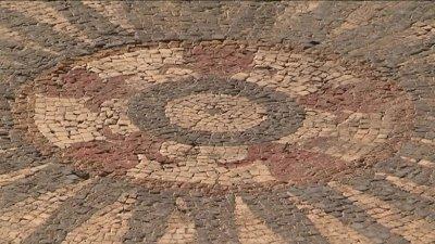 Gard: Une mosaïque romaine d'exception découverte à Uzès