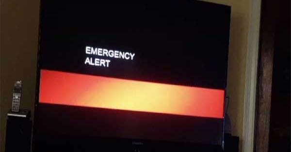 Vidéos: Une prédiction de la Fin du Monde interrompt les Émissions télévisées dans le comté d'Orange