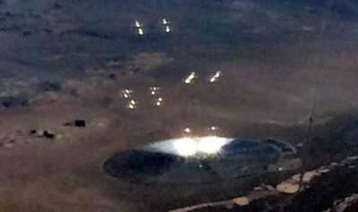 Vidéo: De mystérieuses lumières repérées dans le ciel de la Zone 51