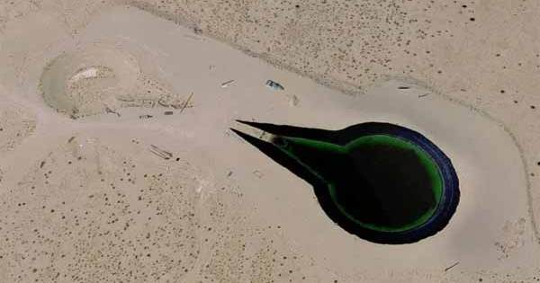 """Vidéo: Nevada : Un Ovni """"Alien"""" trouvé aux abords de la Zone 51"""