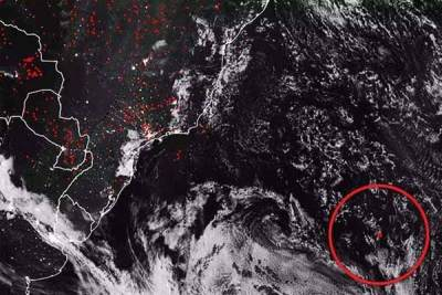 """La NASA a repéré une énorme """"anomalie thermique"""" dans l'océan Atlantique : """"Il y a quelque chose dans l'eau"""" (vidéo)"""