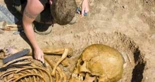 Un homme gigantesque de 6 mètres enterré en Russie