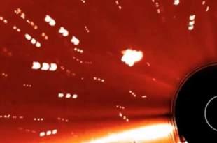 Une flotte d'OVNIs est passée très près du Soleil dans des images de la NASA