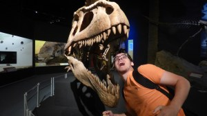 Um monstro ao lado do Tyrannotitan 😂