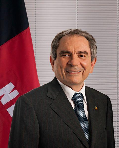 Lira deixa liderança do PMDB no Senado, e, ainda, sai do partido, e vai para o PSD