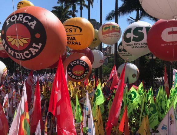 Incêndio provoca tragédia em São Paulo; Dodge denuncia petistas; centrais sindicais unificam comemorações do Dia do Trabalho. Esses são os destaques dos portais de notícias.