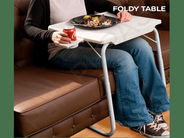 mesa-plegable-con-apoyavasos