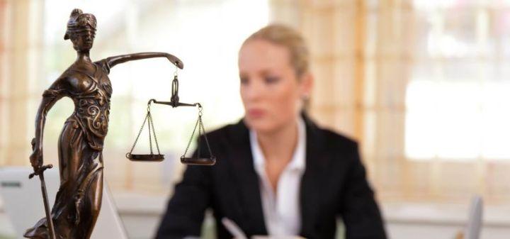 pengacara Jenis Pekerjaan yang menghasilkan Jasa