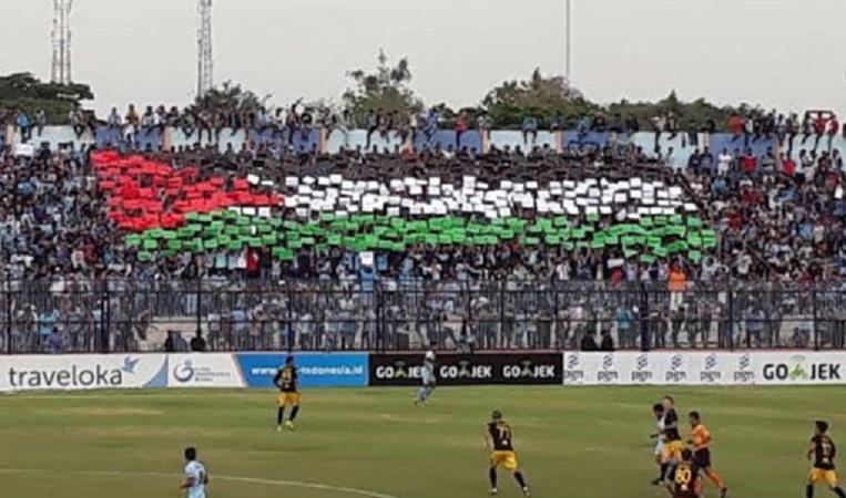 Koreo bendera Palestina Persela
