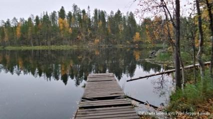 Myllykosken lähellä olevan järven laituri.