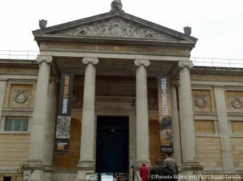 Ashmolean Museum.