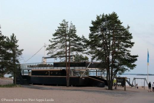 Laivaravintola Helmi on avattu tänä kesänä.