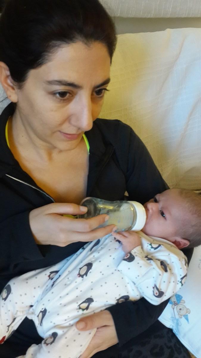 Bebekler günde kaç mL (cc) anne sütü içmeli | Bebek bakım bilgileri 2