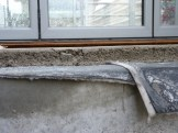 Différents éléments recouvrant la dalle et isolant les appartements entre eux entre les étages