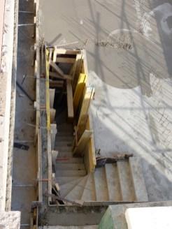Escalier desservant les sous-sols depuis les bâtiments A & B