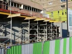 Progression des balcons au-dessus de l'entrée piéton du bâtiment C