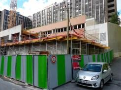 Mardi 8 juillet, préparation des balcons du 1er étage, extrémité Est du Bâtiment C