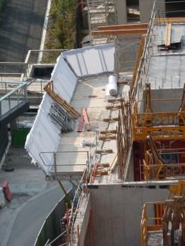 Echafaudage de protection et de sécurisation du chantier vu d'en haut