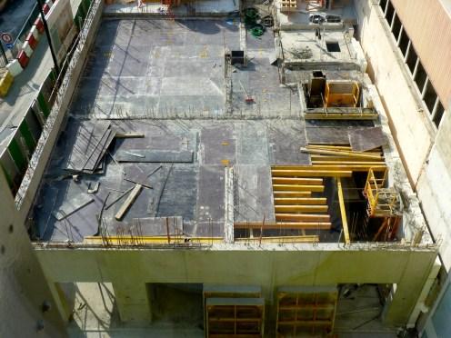 Préparation du coulage de la dalle, 2° étage de Parc 17, côté Bâtiment C