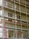 Pose des portes-fenêtres, bâtiment C, mur latéral