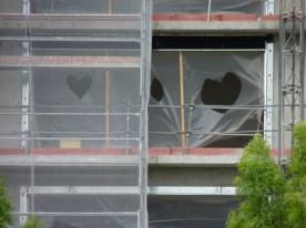 Coeurs découpés, un appartement du bâtiment B