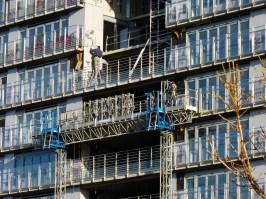 Démontage de la plate-forme mobile entre les bâtiments B & C