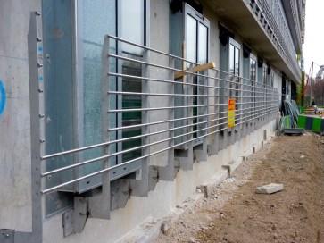 Gardes-corps des fenêtres du rez-de-chaussée, bâtiment B