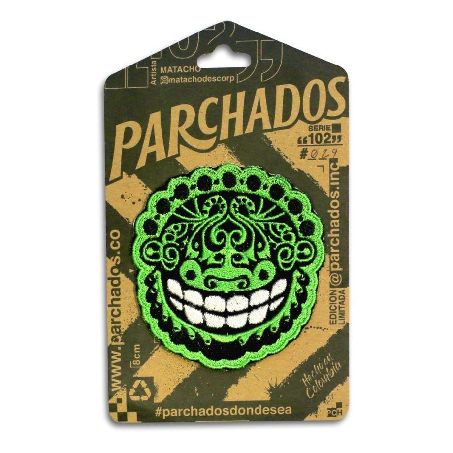 fotoproducto_parchados_patches_s102_monje_sonriente_empaque