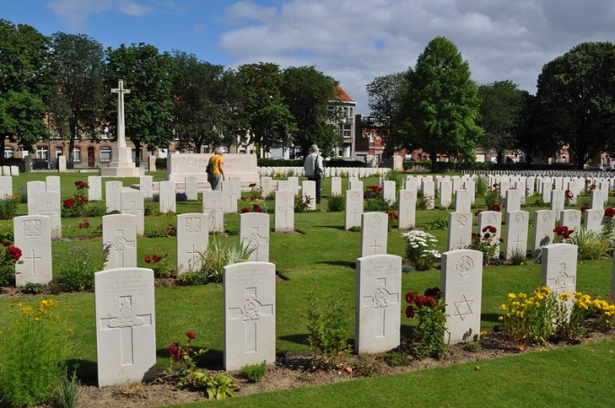 An image of a large number of British war graves at Ypres Reservoir Cemetery in Belgium.
