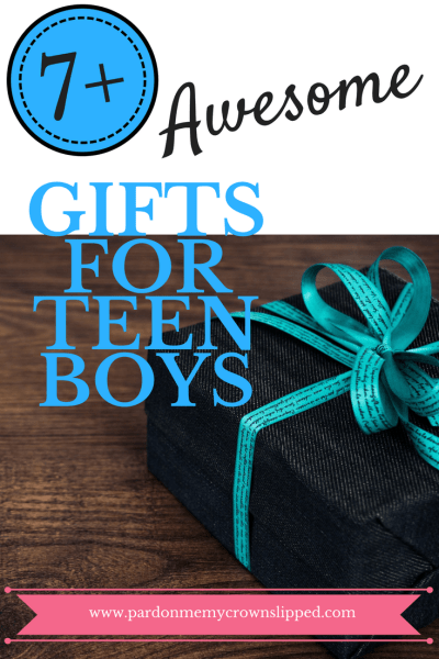 Get help finding the right gifts for teen boys. 7 cool ideas for finding gifts your teen boy will like and use for maximum gift giving enjoyment #teengifts #teenboys
