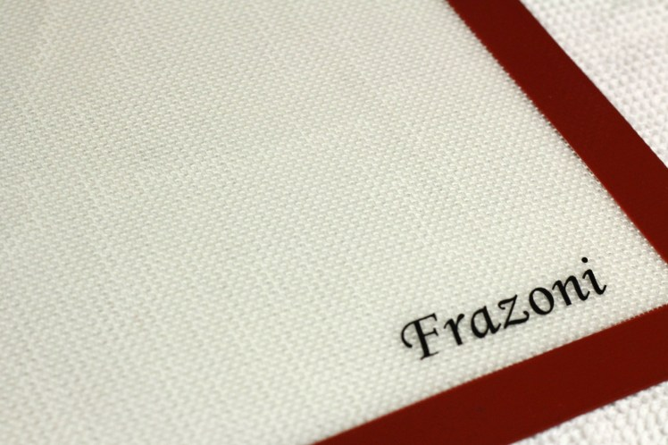 A review of Frazoni's non-stick silicone baking mat...plus a giveaway!