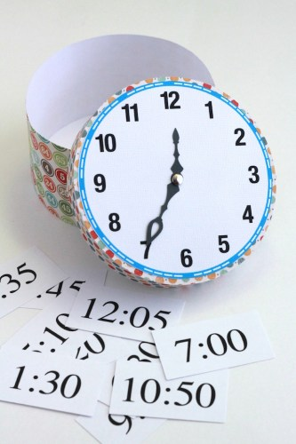 Time Telling Clock Tutorial | A hands on learning activity created with the Silhouette CAMEO that is great for home or the classroom!