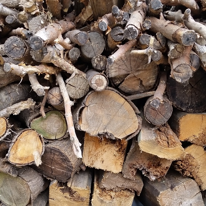 Wood pile, DIY, renos, home renovation