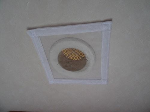 Moustiquaire aerateur de toit faite maison