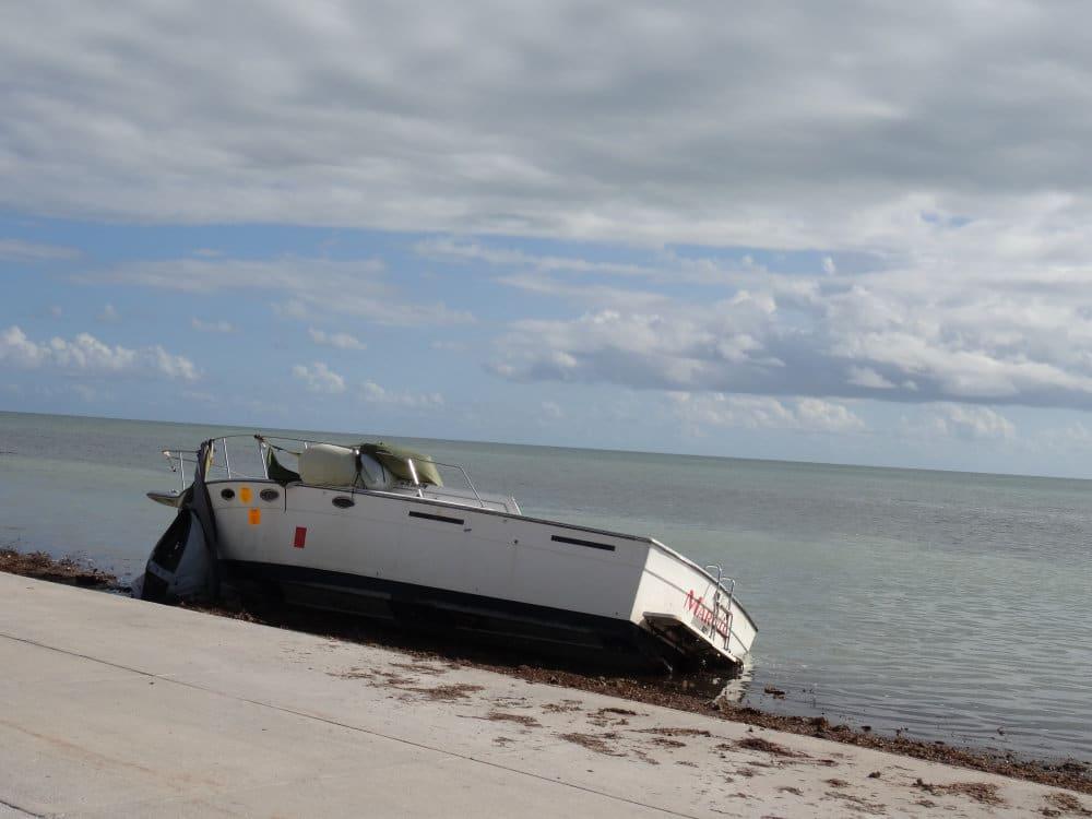Un bateau qui a volé au passage d'Irma