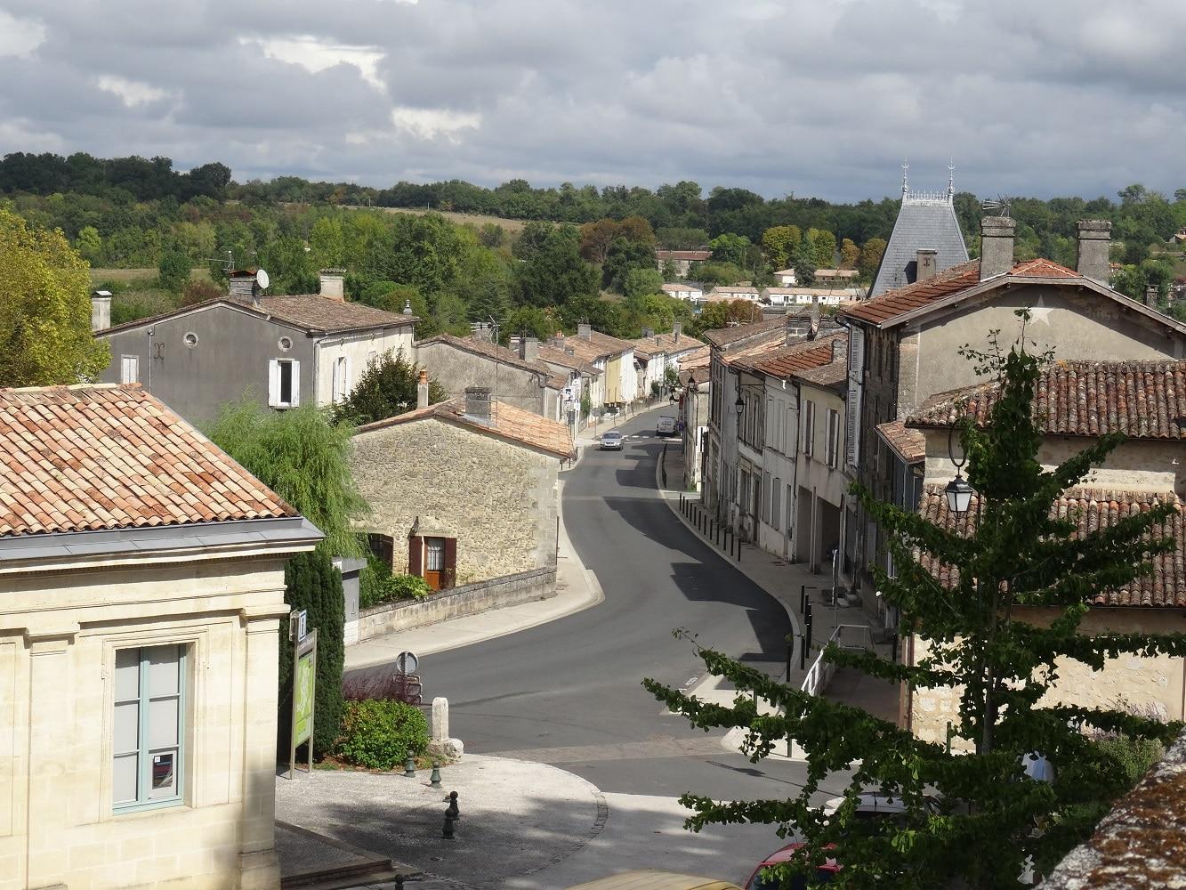 Le village de La Sauve, dans l'Entre-deux-Mers (Gironde)