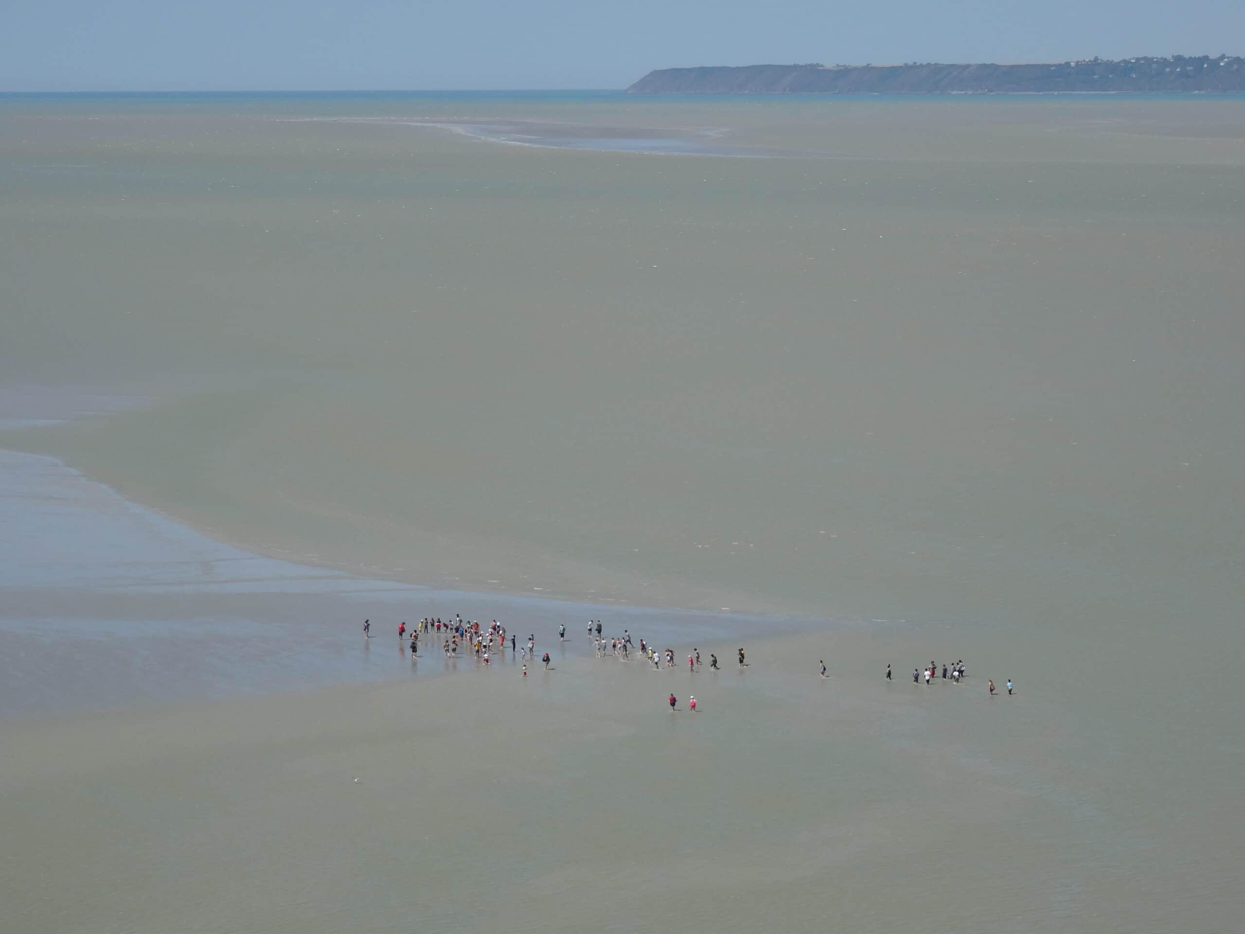 Balade à pied dans la baie du Mont-Saint-Michel