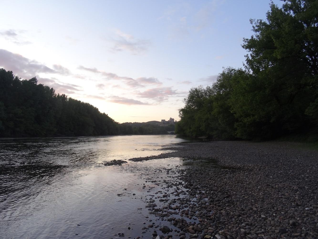Plage de rivière sur la Dordogne