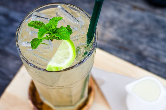 Lemon water and mint